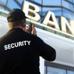 Ředitel olomoucké banky obral klienty o desítky milionů. Vše utratil za hazard, žil dvojí život