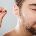 Barva ušního mazu prozradí důležité informace o zdravotním stavu