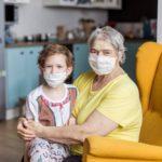 K čemu bude důchodcům jeden respirátor? Je to motivační faktor, tvrdí premiér Babiš